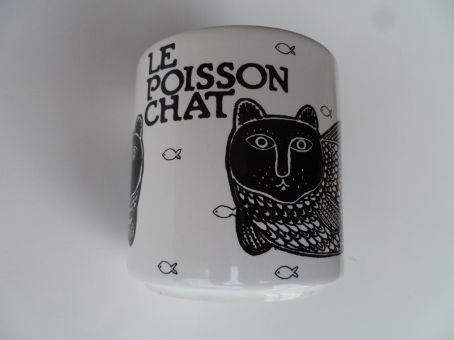 Le Poisson Chat (Catfish) Vintage French Mug